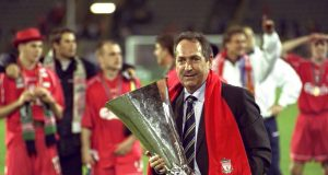 Carragher pays classy tribute to Houllier