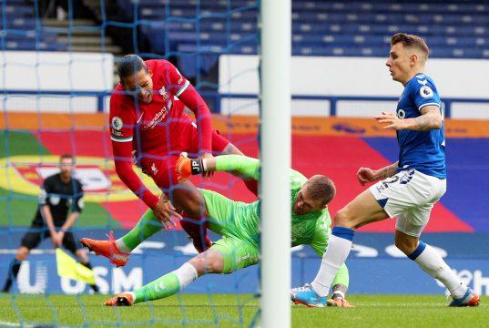 Michael Oliver admits mistake over Pickford-Van Dijk challenge